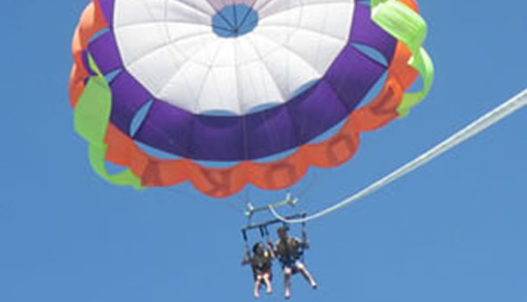 parasailoing adventure